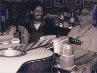 Con Santiago Canals, guitarrista y luthier, 2005.