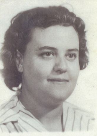 Alicia Yagüe, hermana.