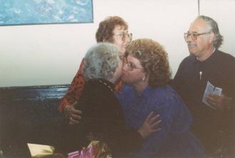 Ana y Raúl Yagüe con la concertista Mª Luisa Anido, 1991