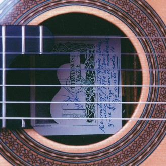"""Guitarra """"Yo canto sola"""""""