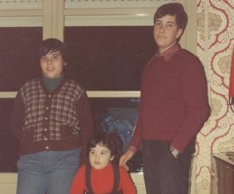 Sus hijos: Javi, Sonia y Raúl.