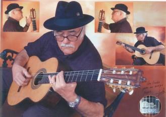 "Con la guitarra ""Yo canto sola"", foto de Pepe Navarro, 2005"